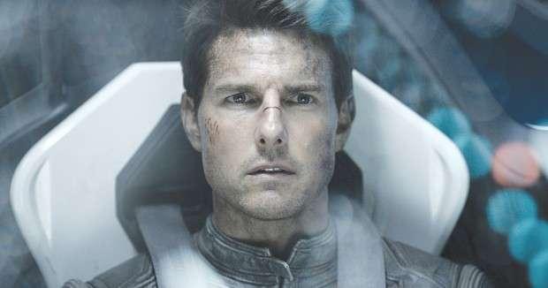 'Oblivion' makes boring beautiful