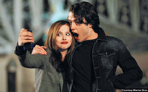 Teen star Moretz makes 'If I Stay' somewhat tolerable