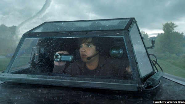 'Into the Storm' has good special effects, not much else