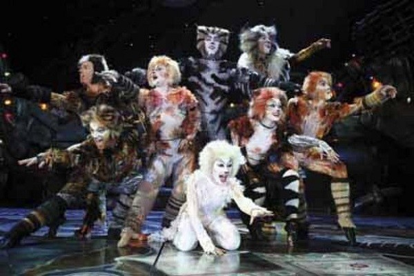 'Cats' is a dog of a musical