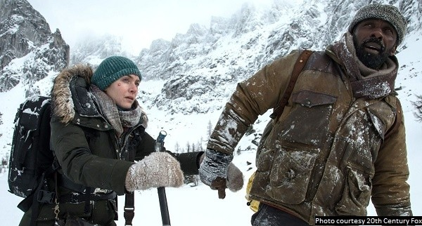 'The Mountain Between Us' a well-acted, but toothless survival story