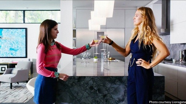 'A Simple Favor' gets a lot of points for trying, but it never really gels